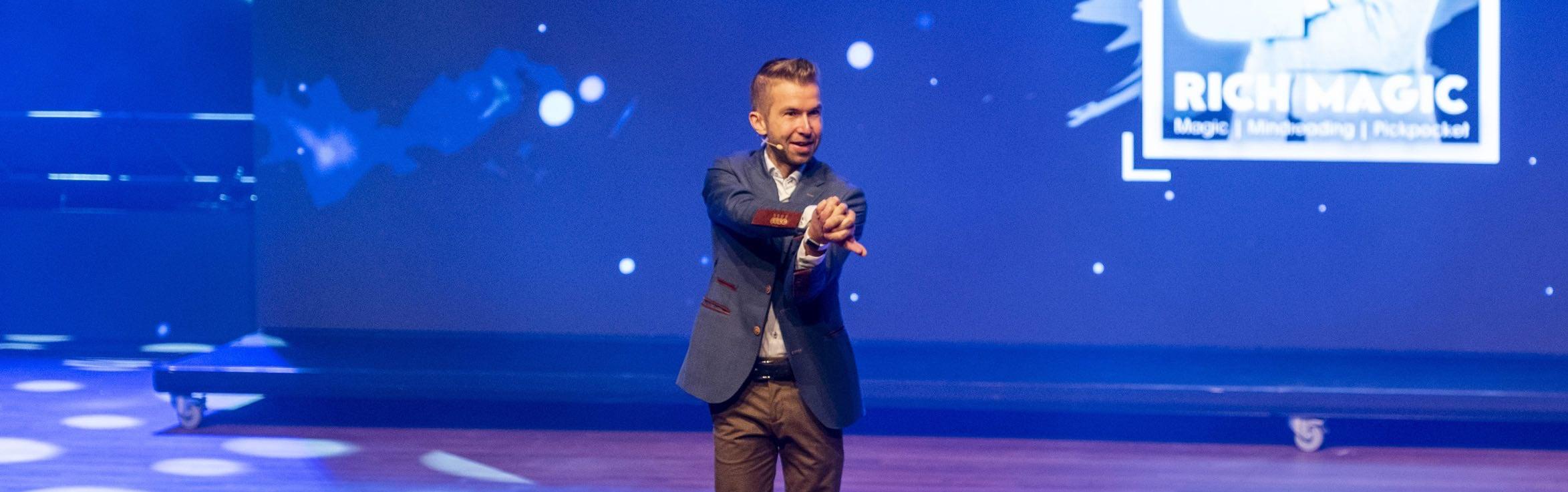 Show spreker en illusionist Richard Jansen