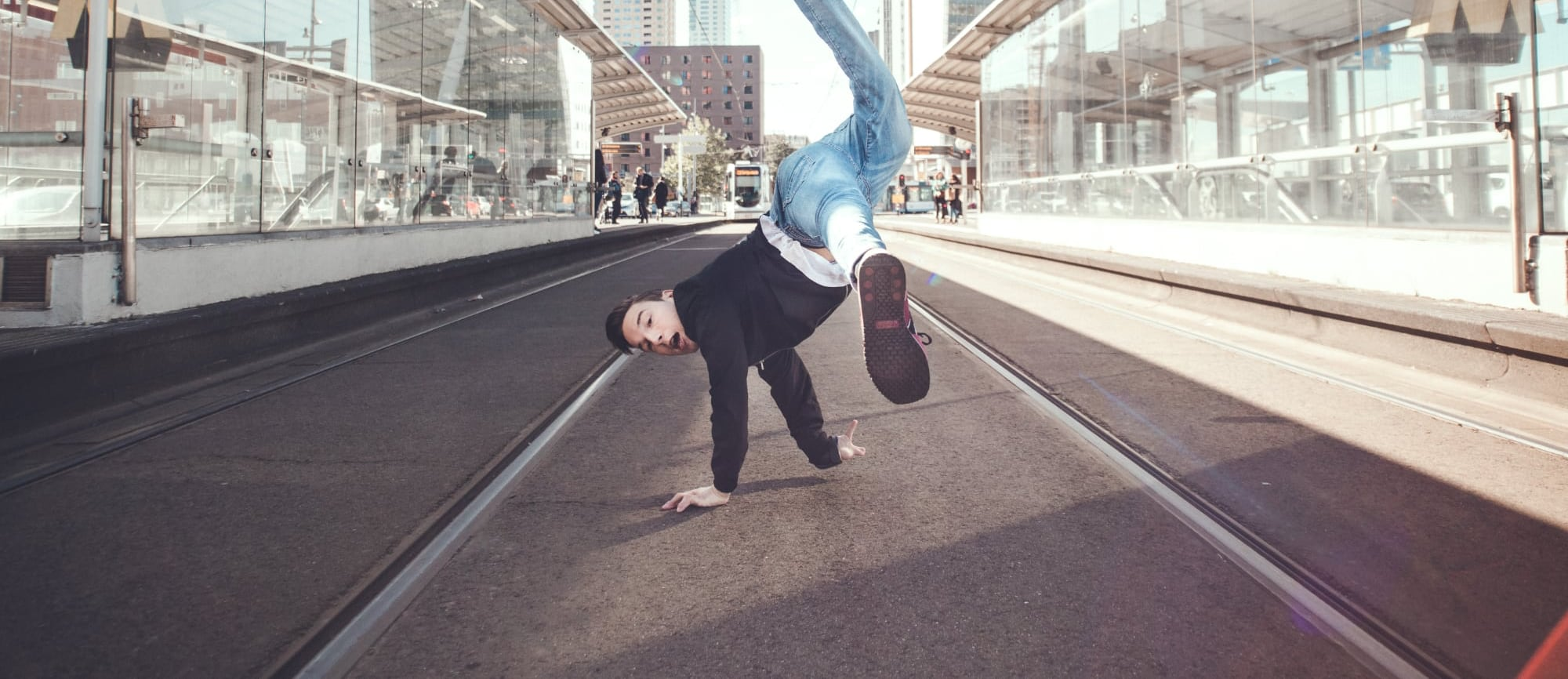 Cover Redouan REDO dansen trambaan